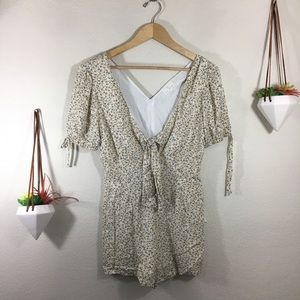 NWT LF | Lost + Wander Simplicity floral romper